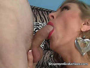 Vicky Vixen Have Her Hairy Pussy Licked By Stepson