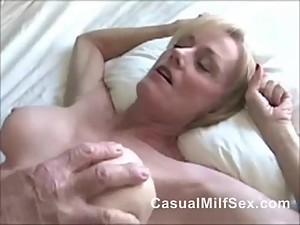 Mom From CasualMilfSex(dot)com needs sex Not his SON