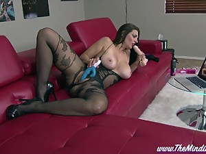 Step Mom Mindi Mink Loves Porn