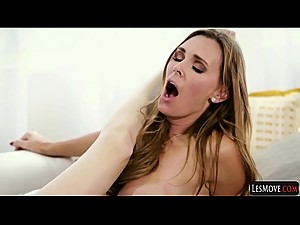 Fingering Wet Licking and Tribbing in Threesomes Cassidy Klein, Jelena Jensen