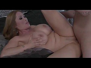 Sexy step mom Kianna Dior