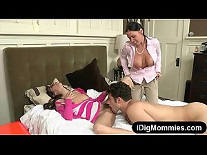 Stepmom Vanilla Deville threeway session